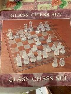 Glass chest set