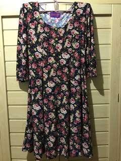 Floral sleeved dress