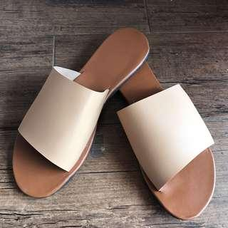 Beige slipper