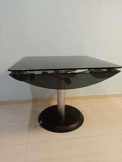 Dining Table (Tempered Glass)