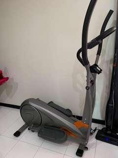 🚚 Elliptical Trainer
