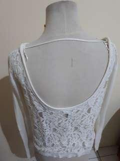 STRADIVARIUS BACKLESS LACE TOP