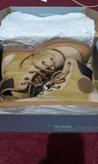 Sepatu boots PALLADIUM size 37,5
