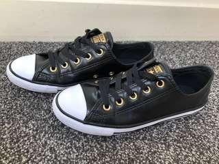 CONVERSE Chuck Taylor All Star Dainty Shoes, Size 5 US/AUS