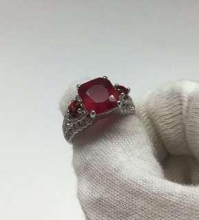 🚚 Ruby Ring, Genuine 4.27 carats Ruby Ring