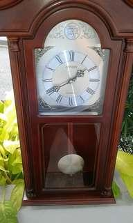 Vintage Clock (wall) battery operated AA