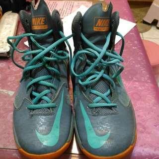 NIKE 籃球鞋..60%new US9