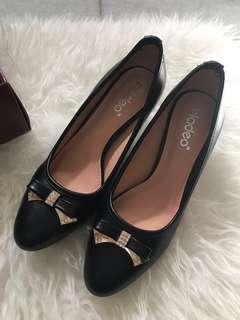 Pantofel Heels Black Hitam