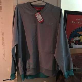 Puma 限定 原價3980 上衣