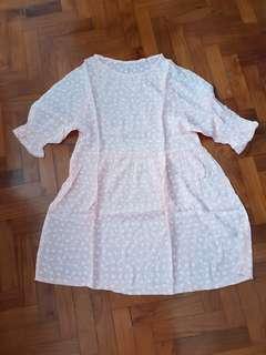 🚚 White Daisy Dress