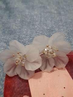 Modelle flowers earrings brand new unworn