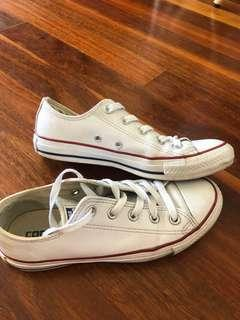 white leather converse size women's 6