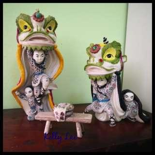 Ancient Chinese Lion Dance Figurine 舞狮
