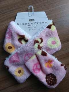 現貨 日本直送🇯🇵兒童保暖防靜電交叉頸巾 新年 小童