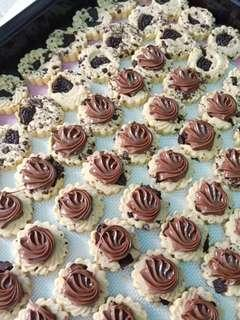 ⭐ Simple yet tasty Nutella & Oreo Chunky Tartzy Tarts⭐