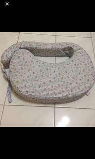 Breastfeeding nursing pillow