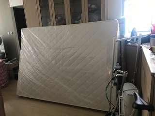 全新彈簧床褥5x7