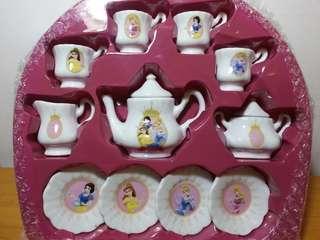 廸士尼 白雪公主(迷你陶瓷茶具套裝) 注 : 全新未取過出來,欠外盒
