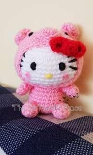 🚚 Crochet Hello Kitty in Pig Costume