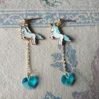 🚚 水藍色獨角獸垂墜式耳環