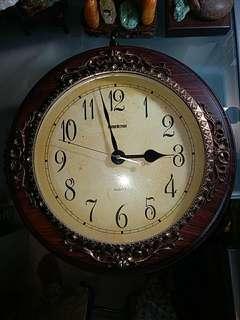 舊歐洲式雙面掛鐘