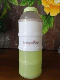 Babymoov milk powder dispenser