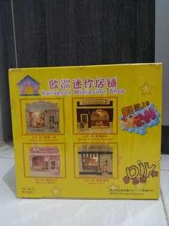 European Miniature Shop Dense Feeling Moment - Diorama - Diy - Mainan