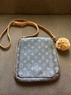 LOUIS VUITTON MUSETTE CROSSBODY BAG with datecode