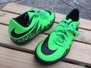 Original NEW Nike Hypervenom Phelon II IC Green Strike/Black