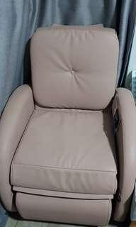 🚚 Almost New OSIM uDiva Massage Chair