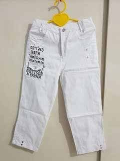 Celana kain putih motif