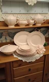 Vintage J&G Meakin Dinner ware