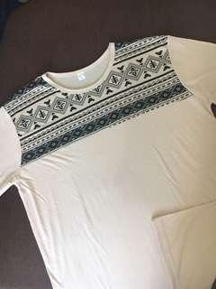 Kaos T-Shirt Tribal White