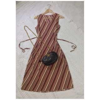 B8-V143: Vneck diagonal Dress