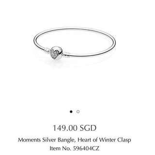Pandora bangle limited edition moments silver bangle heart of winter clasp