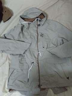迪卡儂女版防水透氣休閒健行長版外套