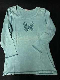 Green long sleeves top