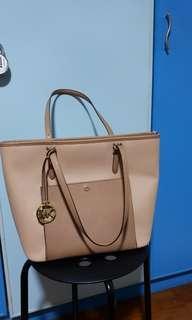 MK- Michael Kors Large handbag