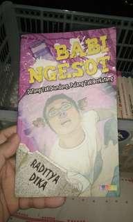 buku komik Raditya Dhika Babi Ngesot