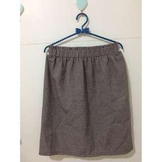 tartan skirt brown