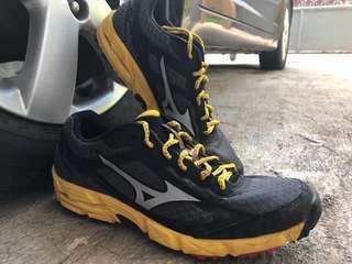 Trail Run Shoes Mizuno sz. 44 (Wave Kien)
