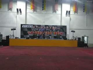 PA system , stage event , sound , lighting and backline rental