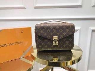 Louis Vuitton Metis Bag