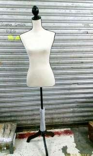 French Lining Mannequine