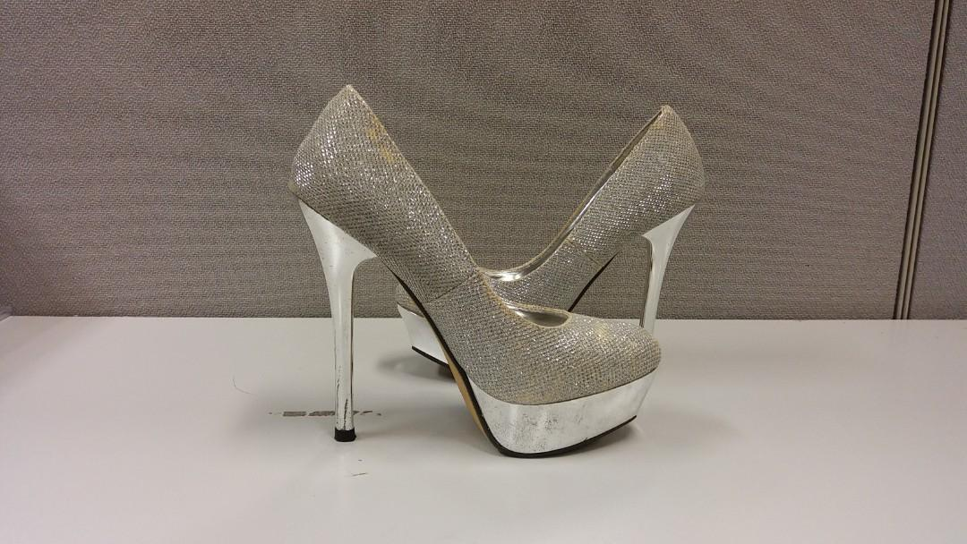 Amante Silver High Heels Shoes