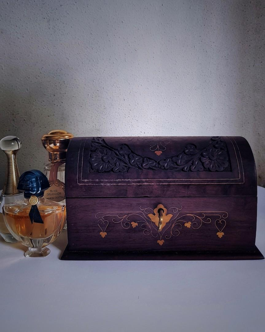 Antique Vintage Style Wood Jewelry Trinket Box