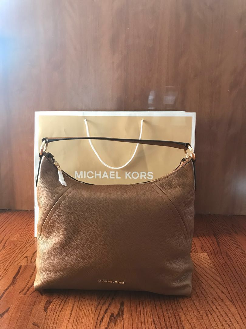 015364520e82 BRAND NEW) Michael Kors - Aria bag (Authentic)