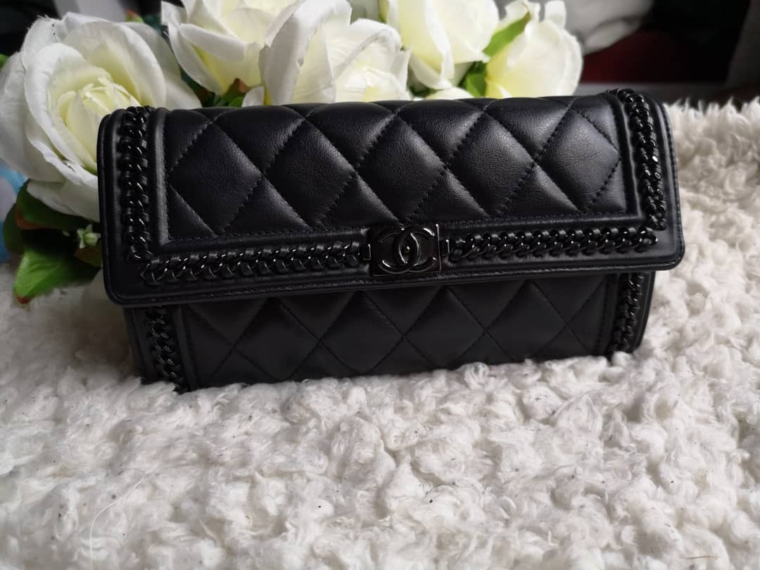 59fff3e230f2 Cheapest $2550! Full Set BN Chanel Boy Wallet, Luxury, Bags ...