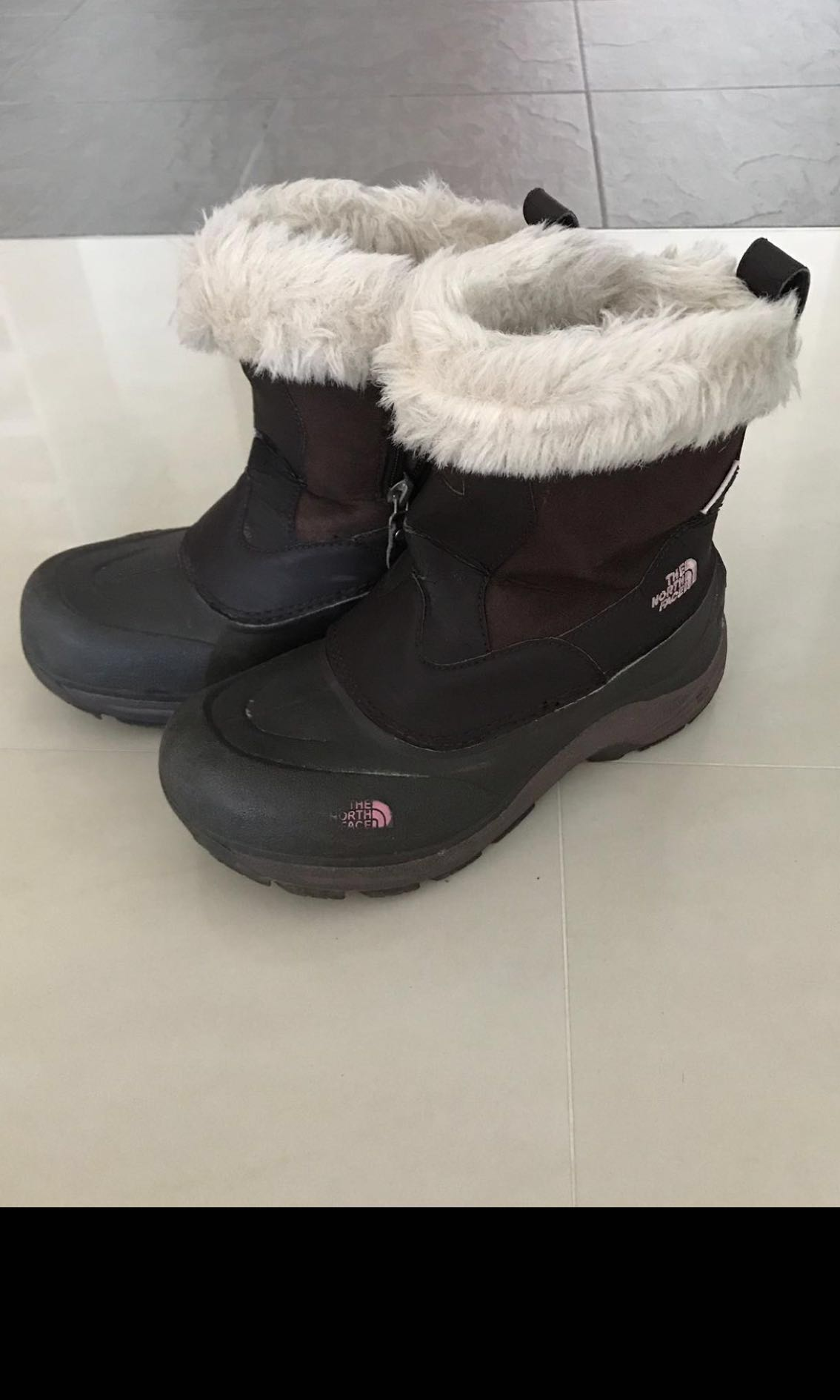 Girls Winter / Snow Boots - North Face