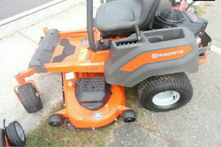 HUSQVARNA RIDING LAWNMOWER